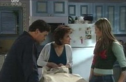Felicity Scully, Joe Scully, Lyn Scully in Neighbours Episode 4121