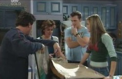 Joe Scully, Lyn Scully, Stuart Parker, Felicity Scully in Neighbours Episode 4121