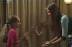 Summer Hoyland, Dino, Felicity Scully in Neighbours Episode 4121