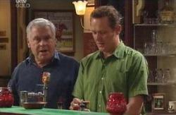 Lou Carpenter, Max Hoyland in Neighbours Episode 4123