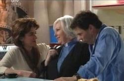 Lyn Scully, Rosie Hoyland, Joe Scully in Neighbours Episode 4124