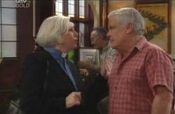 Rosie Hoyland, Lou Carpenter in Neighbours Episode 4124
