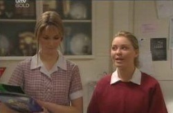 Nina Tucker, Michelle Scully in Neighbours Episode 4124