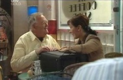 Harold Bishop, Dorothy Stevens in Neighbours Episode 4124