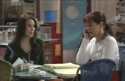 Libby Kennedy, Susan Kennedy in Neighbours Episode 4125
