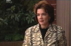 Lyn Scully in Neighbours Episode 4125
