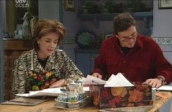 Lyn Scully, Joe Scully in Neighbours Episode 4126