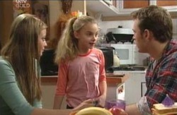 Felicity Scully, Summer Hoyland, Stuart Parker in Neighbours Episode 4129