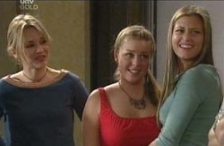 Steph Scully, Michelle Scully, Felicity Scully in Neighbours Episode 4129