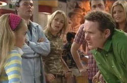 Summer Hoyland, Joe Scully, Steph Scully, Stuart Parker, Max Hoyland, Felicity Scully in Neighbours Episode 4129