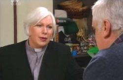 Rosie Hoyland, Lou Carpenter in Neighbours Episode 4131
