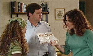 David Bishop, Liljana Bishop, Serena Bishop in Neighbours Episode 4405