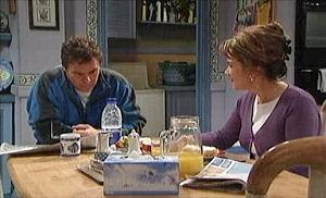 Joe Scully, Lyn Scully in Neighbours Episode 4405