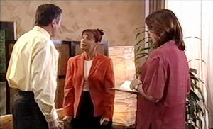 Karl Kennedy, Susan Kennedy, Maureen Callaghan in Neighbours Episode 4412