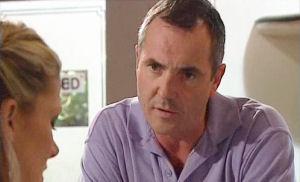 Izzy Hoyland, Karl Kennedy in Neighbours Episode 4469