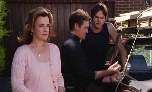 Lyn Scully, Tom Scully, Jack Scully in Neighbours Episode 4470