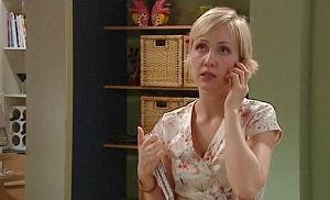 Sindi Watts in Neighbours Episode 4470