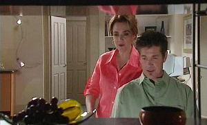 Lyn Scully, Tom Scully in Neighbours Episode 4470