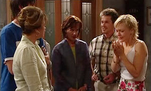 Jack Scully, Lyn Scully, Susan Kennedy, Tom Scully, Sindi Watts in Neighbours Episode 4473