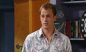 Stuart Parker in Neighbours Episode 4795
