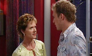 Susan Kennedy, Stuart Parker in Neighbours Episode 4795