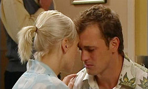 Sindi Watts, Stuart Parker in Neighbours Episode 4795
