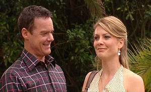 Paul Robinson, Izzy Hoyland in Neighbours Episode 4797