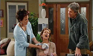Lyn Scully, Susan Kennedy, Joe Mangel in Neighbours Episode 4800