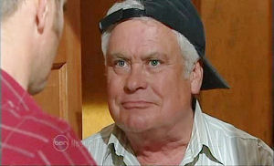 Lou Carpenter in Neighbours Episode 4800