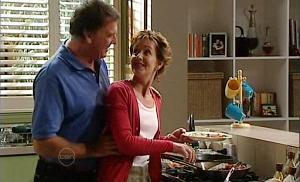 Alex Kinski, Susan Kennedy in Neighbours Episode 4801
