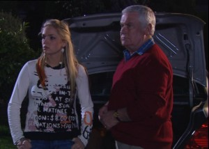 Sky Mangel, Lou Carpenter in Neighbours Episode 4862