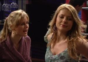 Elle Robinson, Izzy Hoyland in Neighbours Episode 4864