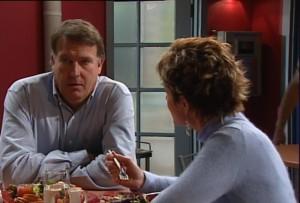 Alex Kinski, Susan Kennedy in Neighbours Episode 4865