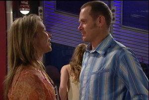 Steph Scully, Max Hoyland in Neighbours Episode 4868