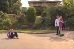 Janelle Timmins, Boyd Hoyland, Janae Timmins in Neighbours Episode 4902