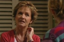 Susan Kennedy, Janelle Timmins in Neighbours Episode 4902