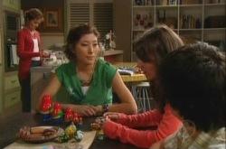 Susan Kennedy, Katya Kinski, Rachel Kinski, Zeke Kinski in Neighbours Episode 4902