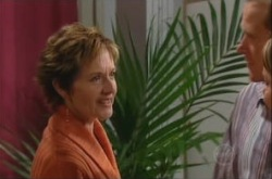 Susan Kennedy, Max Hoyland, Steph Scully in Neighbours Episode 4903