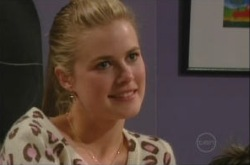 Elle Robinson in Neighbours Episode 4904