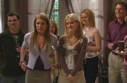 Izzy Hoyland, Elle Robinson in Neighbours Episode 4904