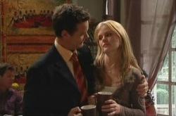 Paul Robinson, Elle Robinson in Neighbours Episode 4904