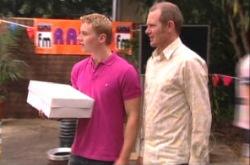 Boyd Hoyland, Max Hoyland in Neighbours Episode 4905