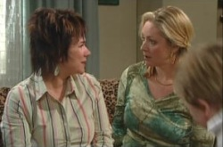 Janelle Timmins, Lyn Scully in Neighbours Episode 4906