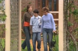 Katya Kinski, Zeke Kinski, Susan Kennedy in Neighbours Episode 4908