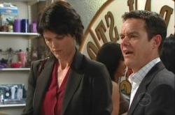 Julia Swan, Paul Robinson in Neighbours Episode 4909