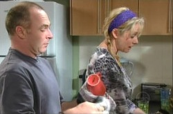 Kim Timmins, Janelle Timmins in Neighbours Episode 4910