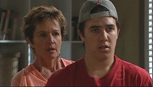 Stingray Timmins, Susan Kennedy in Neighbours Episode 4962