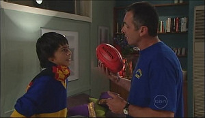 Zeke Kinski, Karl Kennedy in Neighbours Episode 4962