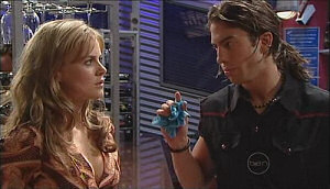 Elle Robinson, Dylan Timmins in Neighbours Episode 4963