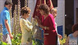 Susan Kennedy, Mishka Schneiderova in Neighbours Episode 4965